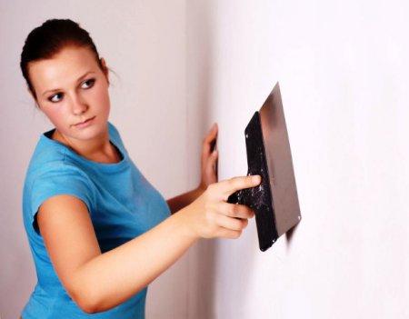 Как самостоятельно прошпаклевать стены